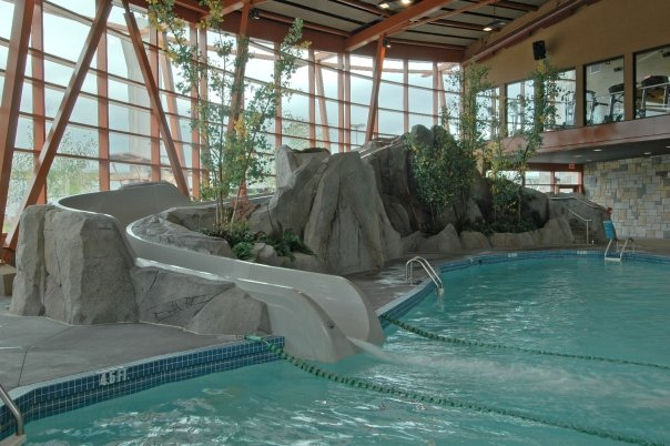 Riverrock Yvr Hotel Pool And Fitness